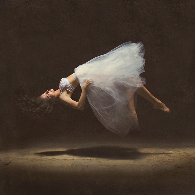 brooke shaden, photography,illusion girl in levitation, ballerinna, magie,,dream-like, strange, flow-art-station,