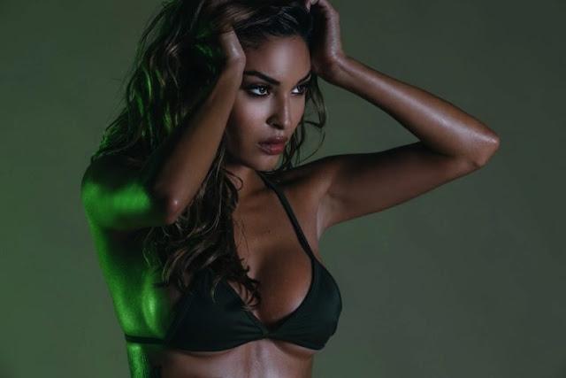 Chameleon_Model_Johanna_Gomez_Captured_in_a_New_Set_by_Martin_Murillo_2016_14-768x512