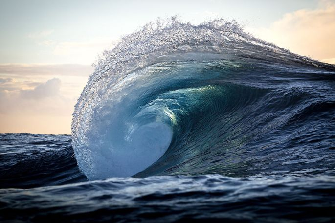 Moments-in-the-Ocean-Images-created-from-water-light.19__880