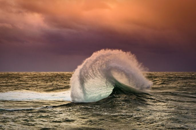 Moments-in-the-Ocean-Images-created-from-water-light.21__880