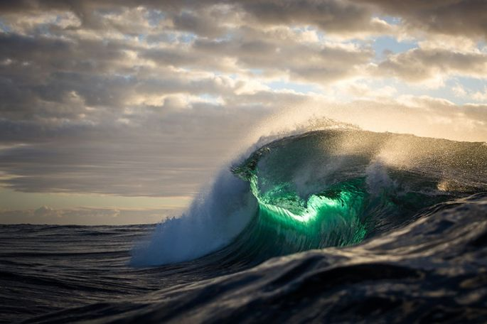 Moments-in-the-Ocean-Images-created-from-water-light.29__880