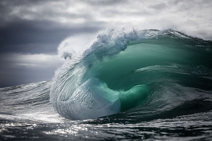 Moments-in-the-Ocean-Images-created-from-water-light.31__880