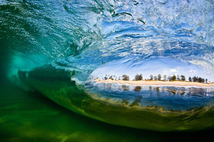 Moments-in-the-Ocean-Images-created-from-water-light.32__880