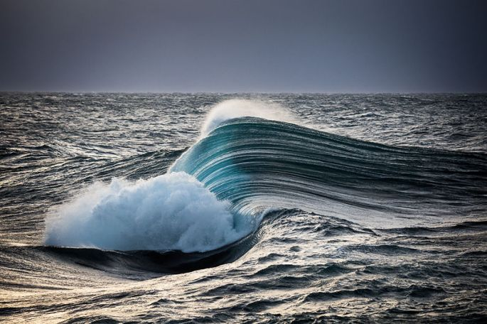 Moments-in-the-Ocean-Images-created-from-water-light-Warren-Keelan__880