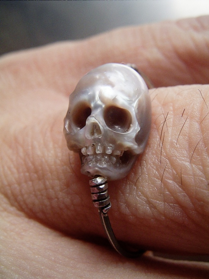 pearl-skulls-7