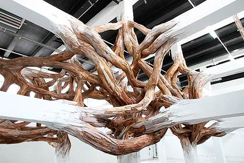 2-bark-tree-wooden-installation