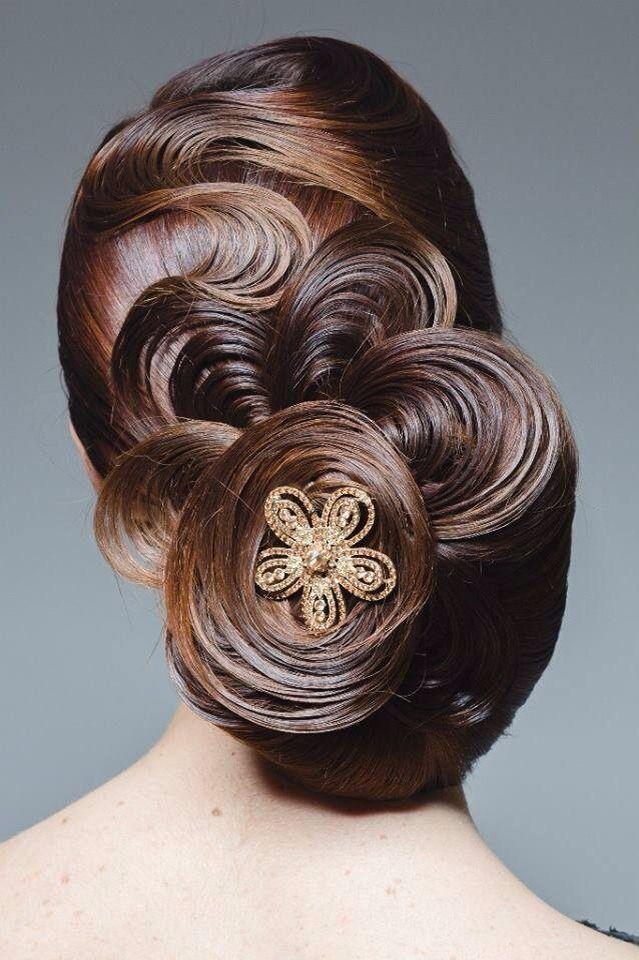 2e9f7e2e6e076b4456763b84b3074a9a--unique-hairstyles-bridal-hairstyles