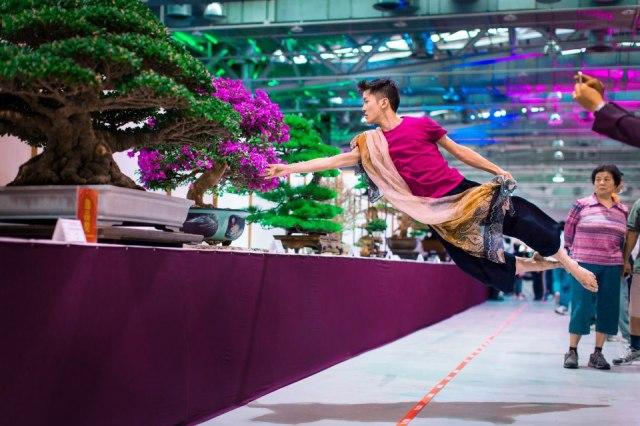 Ballet-Dancer-Flying-Trough-The-Air-0-16
