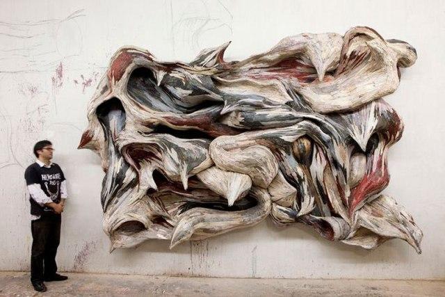 organic-wood-sculptures-henrique-oliveira-photo-everton-ballardin