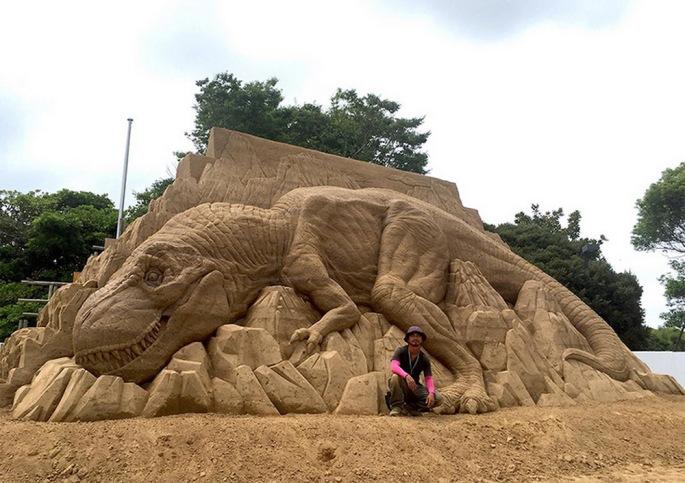 Toshihiko-Hosaka-sand-art2