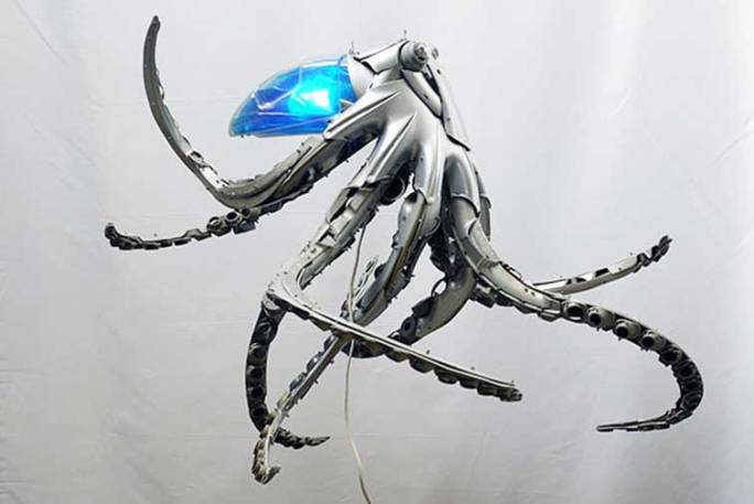 hubcaps-recycling-art-upcycling-ptolemy-elrington-17
