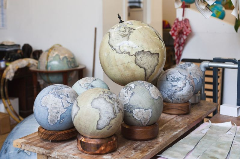 Desk Globes - One Of The World's Last Remaining Globe-Makers That Use The Ancient Art Of Making Globes By Hand