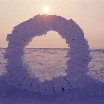 andy-goldsworthy-touching-north