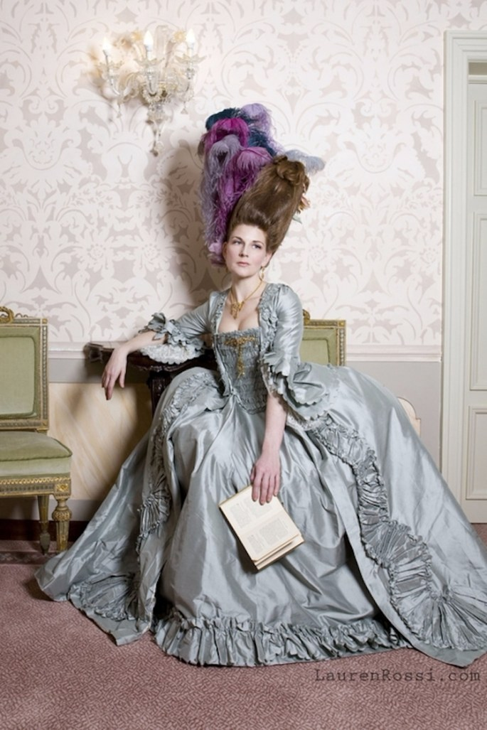 lauren-rossi-historical-dress-12