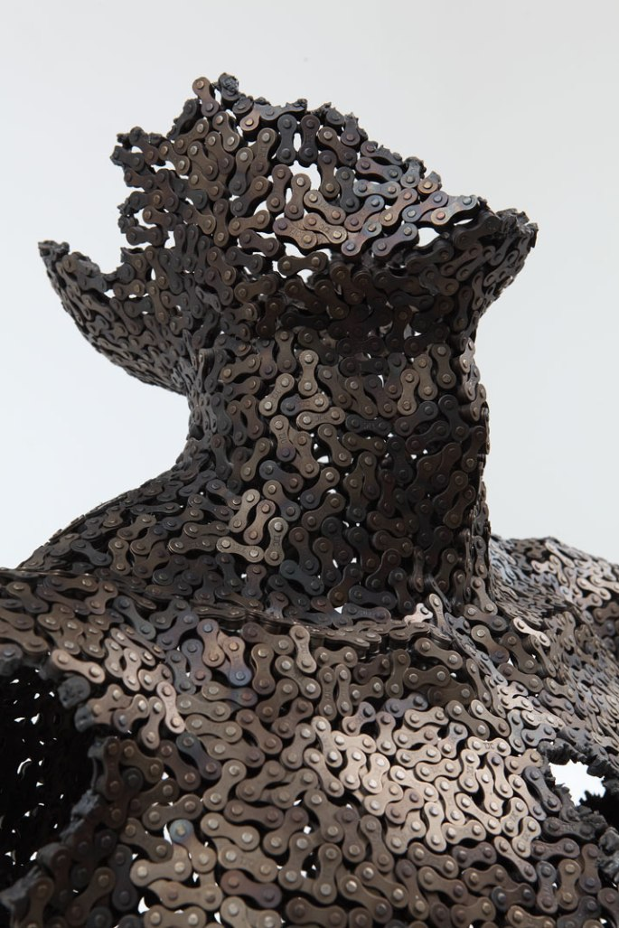 Seo-Young-Deok-incredible-chain-sculptures-yatzer-0