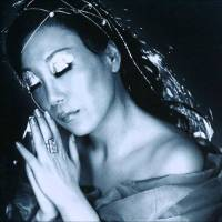 "1- Sumi Jo sings ""Frühlingsstimmen""  (Johann Strauss). 2- ""O Mio Babbino Caro"" (Giacomo Puccini). 3-  ""Rigoletto - Gilda - Caro Nome"" (Giuseppe Verdi)."