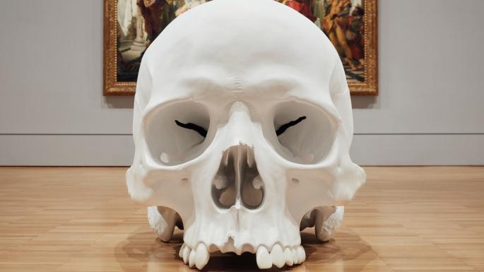 Mass-gli-enormi-teschi-dello-scultore-Ron-Mueck-Collater.al_5