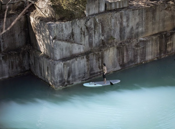 xwall-water-surfboard-artist-hula-painting-1231x910-pagespeed-ic-pdfde9v7w