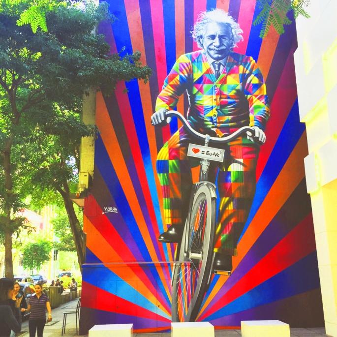 Genial-is-riding-a-bike