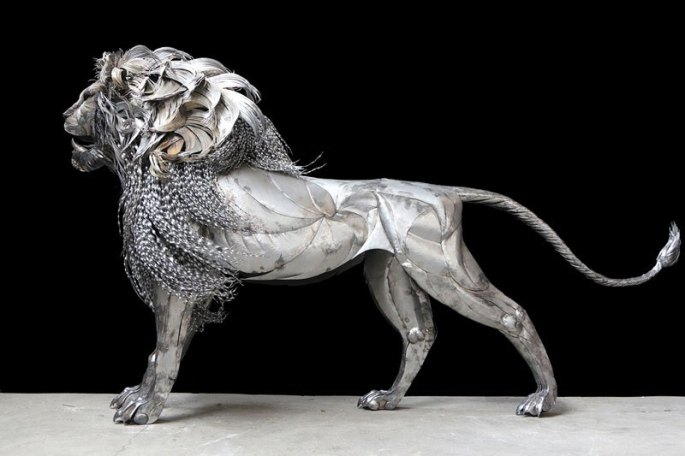 lion-sculpture-made-from-hammered-steel-by-selcuk-yilmaz-4