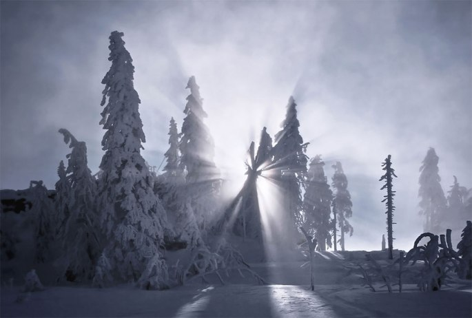 1520004113_429_frozen-landscapes-tell-a-winters-tale-in-new-photographs-by-kilian-schonberger