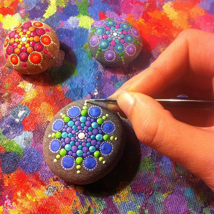 ocean-stones-turned-into-colourful-mandalas-12jpg