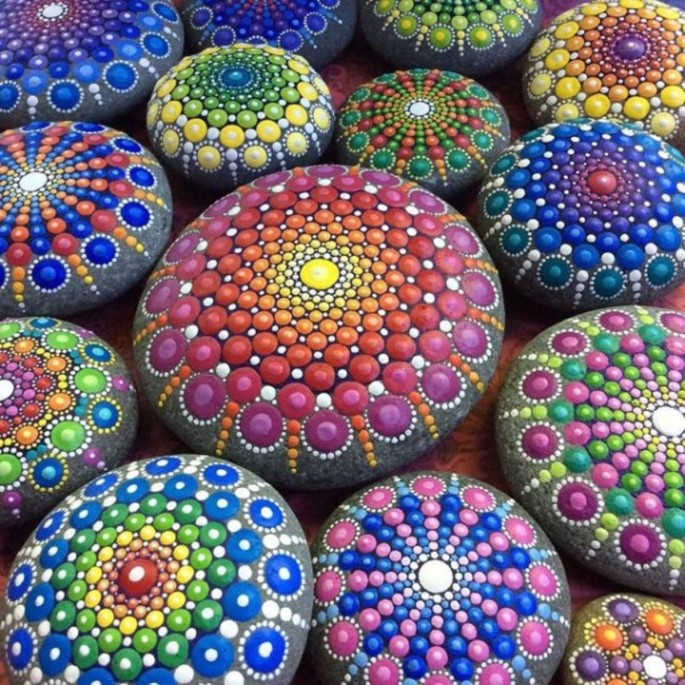 ocean-stones-turned-into-colourful-mandalas-1jpg