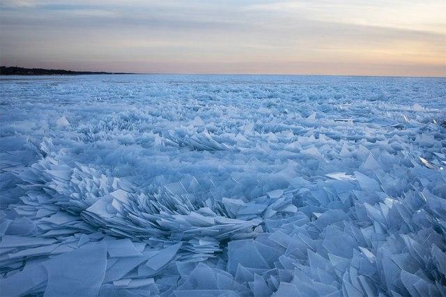 ice-shards-frozen-lake-michigan-2-5c934d89f0b6b__880