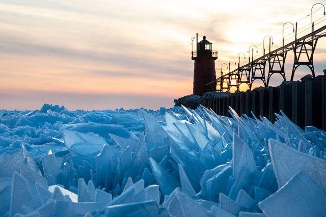 ice-shards-frozen-lake-michigan-5c937f18afd19__880.jpg