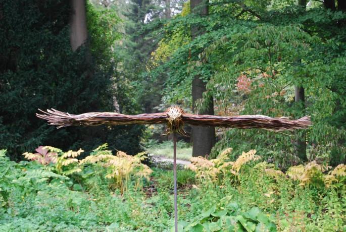 queste-sculture-in-vimini-di-unartista-inglese-si-fondono-magnificamente-con-la-natura-7.jpg