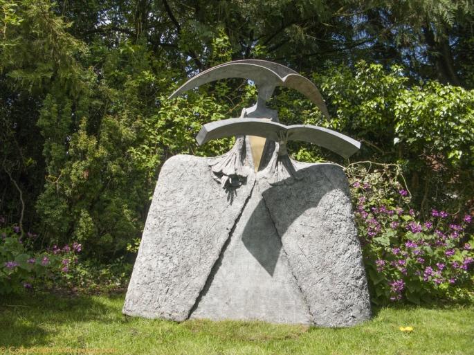 Philip  Jackson s  Garden  Tutt Art